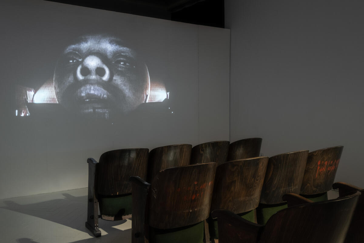 Krzysztof Wodiczko, Projekcja w Tijuanie / The Tijuana Projection El Centro Cultural, Tijuana, 2001