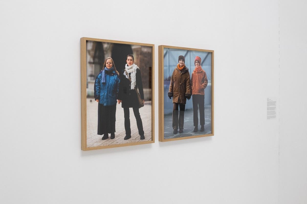 Karolina Breguła, Niech Nas zobaczą, 2003, widok z wystawy Poganki, fot. Marcin Liminowicz