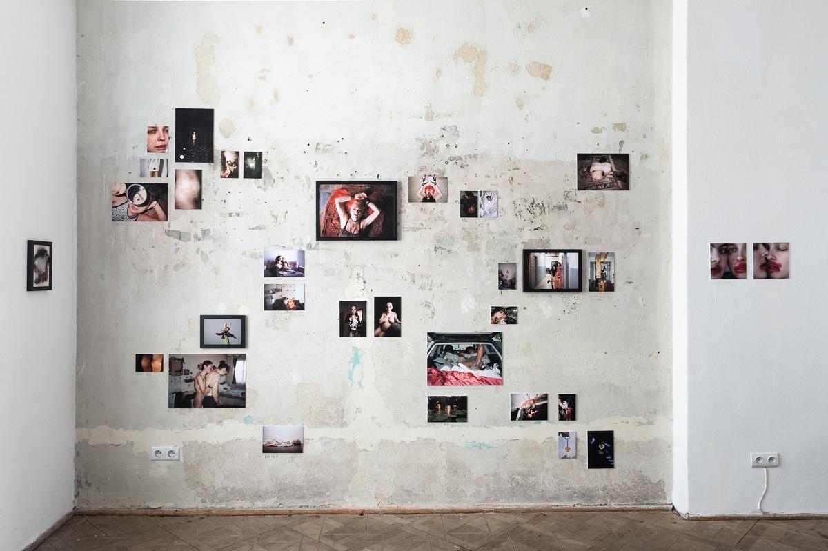 Kinga Michalska, Diary, 2011-2021, widok z wystawy Poganki, fot. Marcin Liminowicz